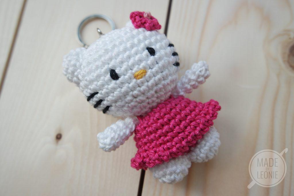 Big Hello Kitty Amigurumi Free Pattern | Hello kitty haken, Gratis ... | 683x1024